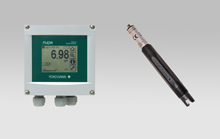 right: FU20 pH/ORP SENCOM sensor  left: FLXA21 modular two-wire liguid analyzer